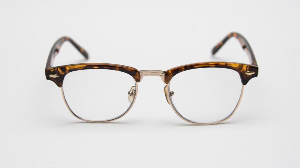 Lenses for Semi-Rimless Glasses
