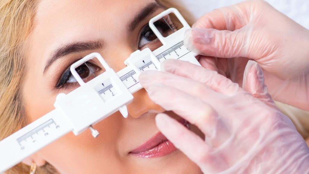 How to measure your glasses frames